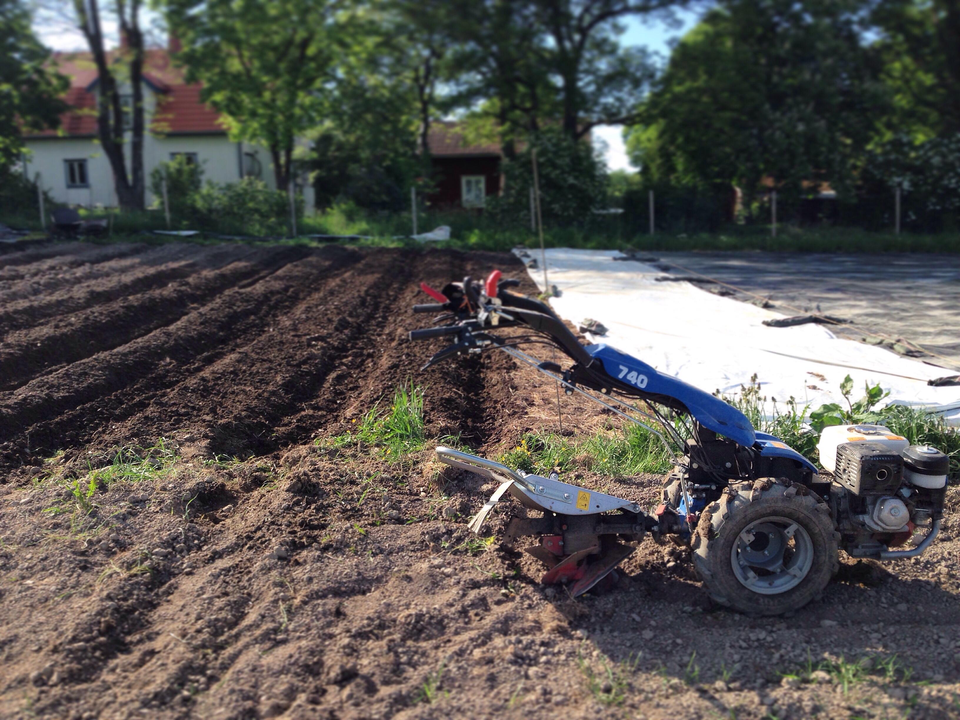 Gårdens BCS, den tvåhjuliga traktorn